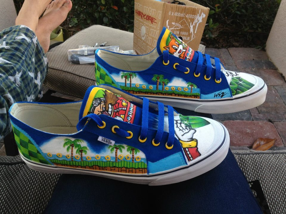 Check out these hand painted Sonic the Hedgehog shoes