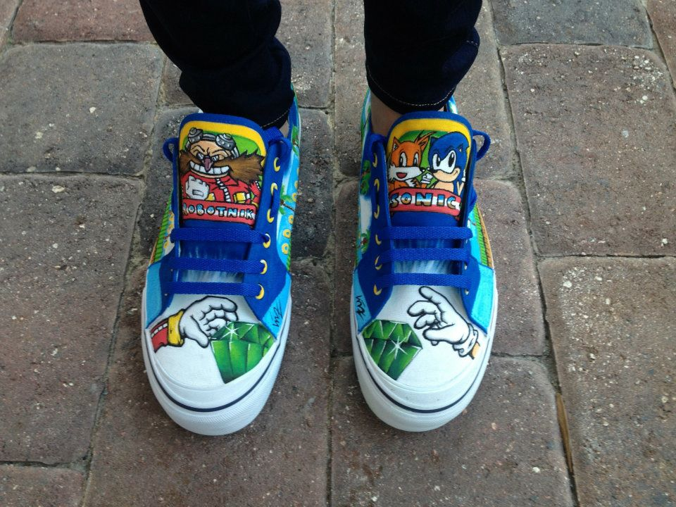 Check Out These Hand Painted Sonic The Hedgehog Shoes Segabits 1 Source For Sega News