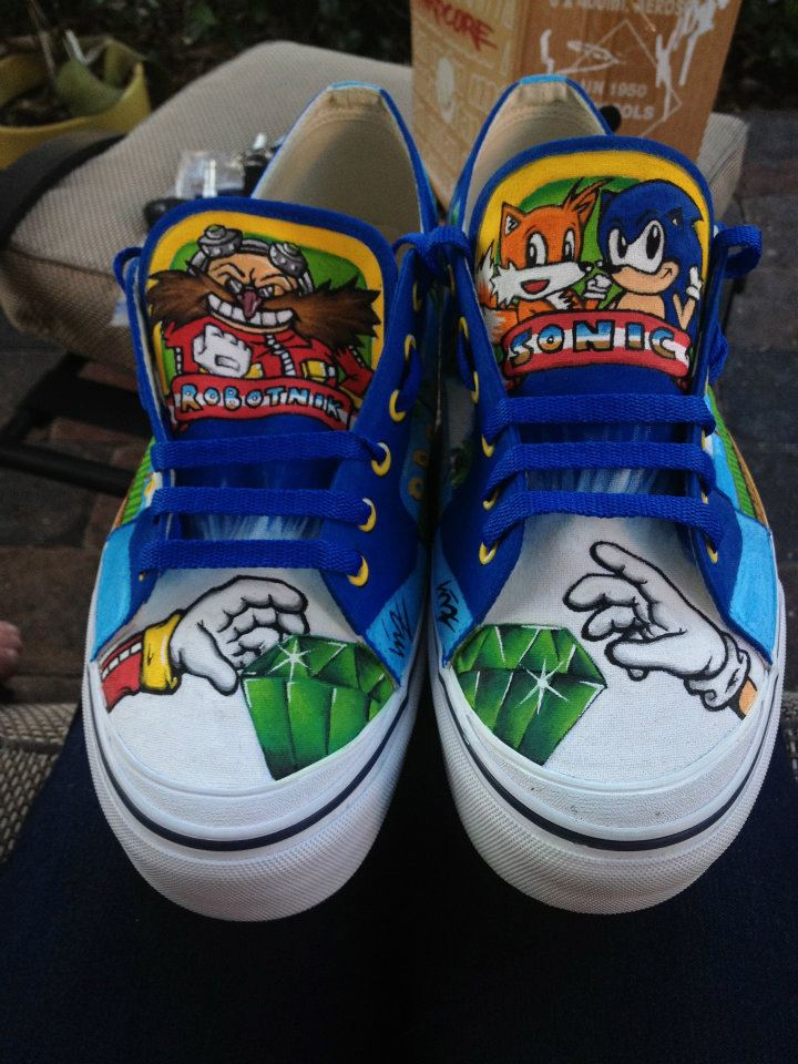 Sonic the Hedgehog Nike Air Dunks I wonder if these come in little kid sizes and in a wrestling/boxing shoe... Michael would love this, he is totally into